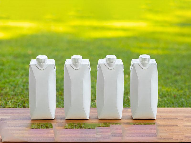 تتراپک یا بطری پلاستیکی؟ تصمیم سخت تولید کنندگان دغدغه مند