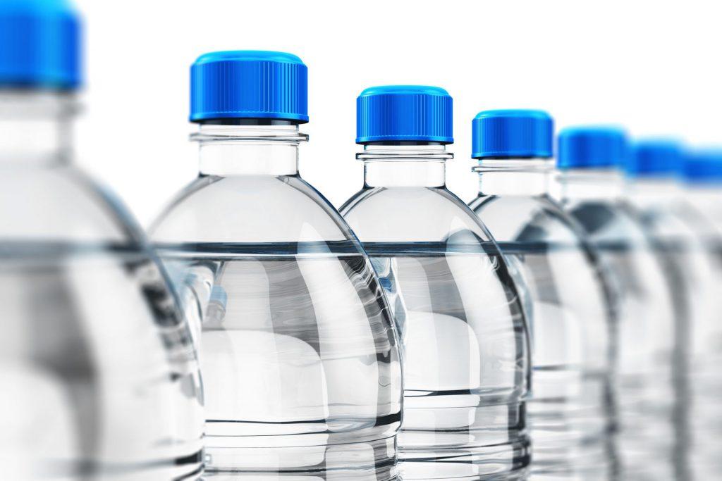 بطری های پلاستیکی یا تتراپک؟ انتخابی چالش برانگیز